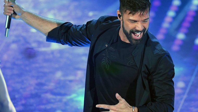 El puertorriqueño Ricky Martin deleitó al público en el festival de San Remo. (Fotos Prensa Libre, EFE)