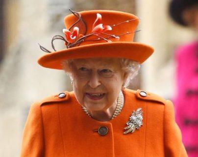 La reina Isabel es la monarca de Reino Unido y de otros 15 países.