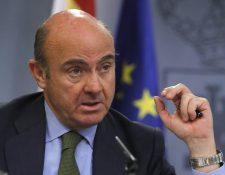 El ministro de Economía, Luis de Guindos, informa que en Consejo de Ministros se aprobó remitir a Bruselas de la actualización del Programa de Estabilidad de España. (Foto Prensa Libre: EFE)