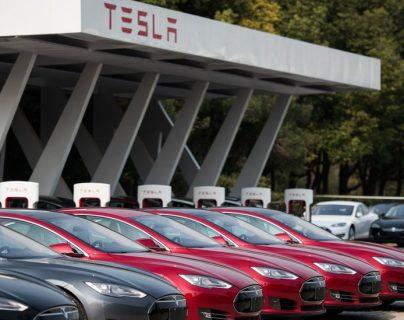 La compañía de Musk, en sus instalaciones de Shanghái, China. (Foto Prensa Libre: BBC/Getty Images)