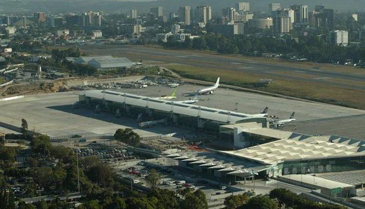 El Aeropuerto Internacional La Aurora perdió la categoría 1 de parte de la FAA de Estados Unidos. (Foto Prensa Libre: Hemeroteca PL)