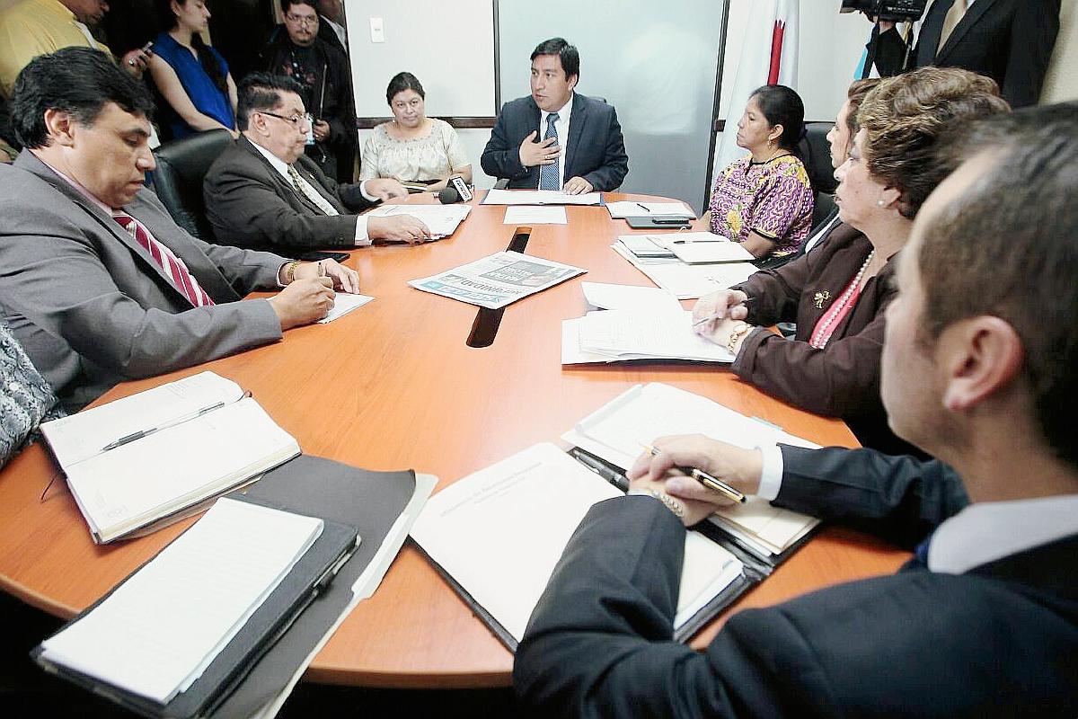 Cuba pide a Guatemala pagar Q1.1 millón a médicos de la isla