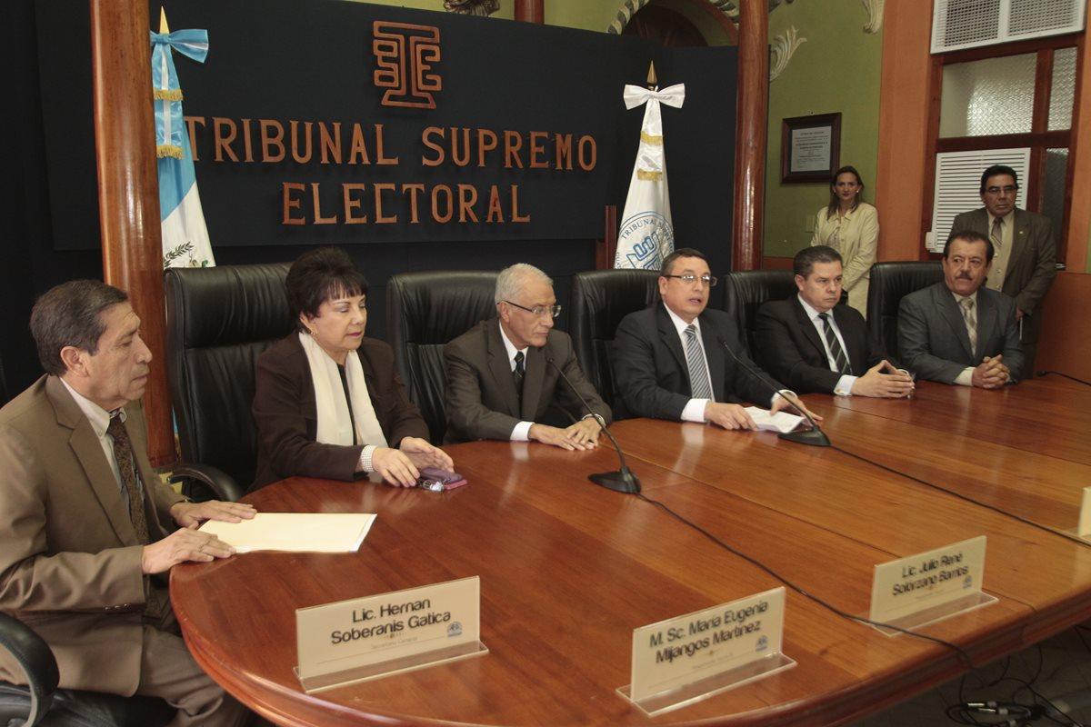 TSE acata orden de la CC pero no otorga curules a diputados electos