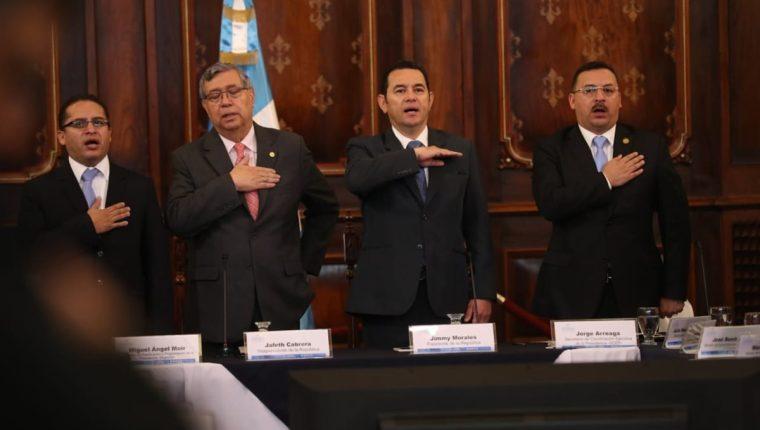 El presidente Jimmy Morales participó en la cuarta reunión del Consejo Nacional de Desarrollo Urbano y Rural. (Foto Prensa Libre: Esbin García)