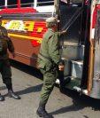 Elementos de la Guardia de Honor participan de operativos de seguridad en San José Pinula, Villa Nueva y Villa Canales. (Foto Prensa Libre: Mindef)