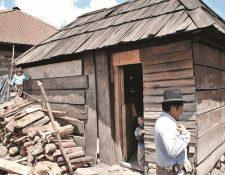 El consumo de leña como fuente de energía en el hogar es un riesgo para la salud. (Foto Prensa Libre: Hemeroteca PL)
