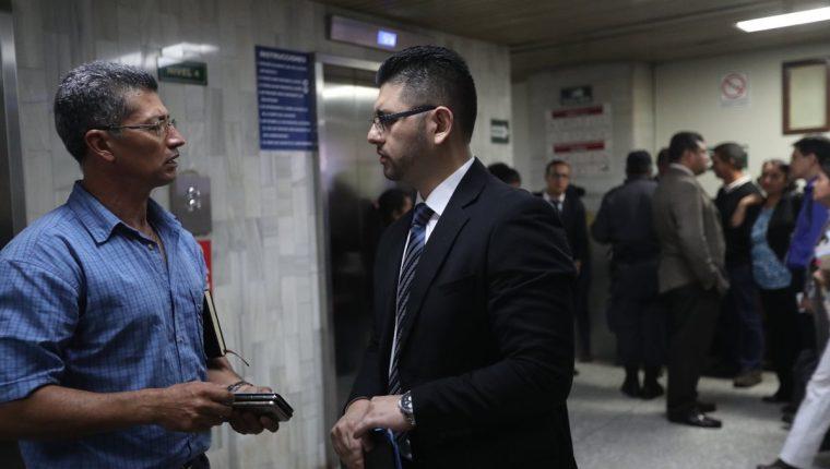 William Arbizú -derecha- estuvo dos años prófugo y fue señalado en el caso Redes a puerta cerrada por disposición de la jueza Judith Secaida. (Foto Prensa Libre: Erick Avila)