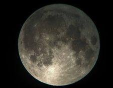 La súperluna de mañana 14 se podrá observar a simple vista, si las condiciones atmosféricas lo permiten. (Foto, cortesía de Richard Gutiérrez)