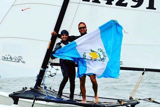 Abascal y Hess ganaron la medalla de oro para Guatemala en los recién pasados juegos Panamericanos de Toronto 2015. (Foto Prensa Libre: Irene Abascal)