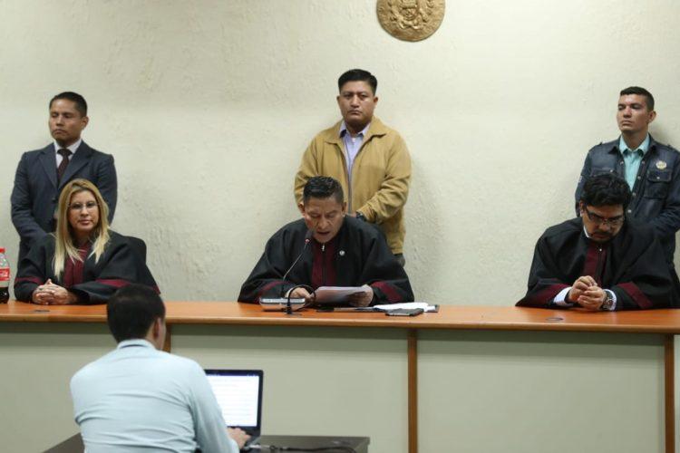 El tribunal presidido por el juez Pablo Xitumul escuchó la última palabra de dos de los señalados por la mañana y citó a las partes a las 7 de la noche para dictar la sentencia.