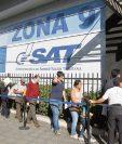 La seguridad institucional de la SAT fue readaptada ayer luego que vencieron los contratos con compañías privadas que prestan los servicios a la institución el pasado lunes.