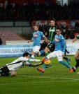 Con doblete de Gonzalo Higuaín y un tanto de José Callejón, el Nápoli venció 3-1 al Sassuolo. (Foto Prensa Libre: EFE).