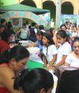 Autoridades y vecinos conmemoran el Día Mundial de la Alimentación, en San Agustín Acasaguastlán. (Foto Prensa Libre: Héctor Contreras)