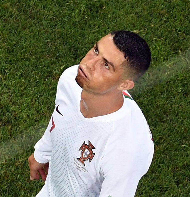 Cristiano y la campeona de Europa, Portugal, tampoco tenían en sus planes quedar eliminados de manera tan prematura. (Foto Prensa Libre: AFP)