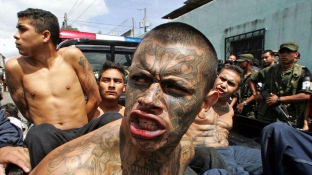 El debate por la pena de muerte regresó con fuerza por la violencia de pandillas en Guatemala. ORLANDO SIERRA/AFP