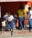 Pobladores de Teculután, Zacapa, acuden a una consuta sobre un proyecto hidroeléctrico.(Foto HemerotecaPL).
