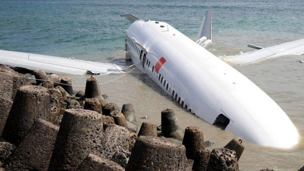 En 2013, este avión de Lion Air cayó en el mar. Hubo decenas de heridos pero no hubo muertos. SONNY TUMBELAKA/GETTY IMAGES