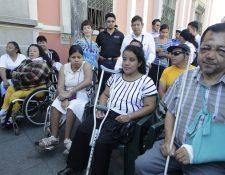 Las personas con discapacidad viven la crisis del aislamiento social. (Foto Prensa Libre. Hemeroteca PL)
