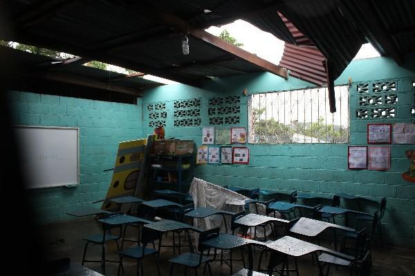 El Mineduc argumenta que miles de escuelas no pueden recibir mejoras porque los terrenos donde están no cuentan con documentación correspondiente. (Foto: Hemeroteca PL)