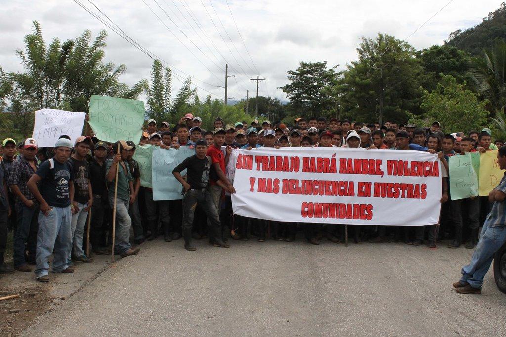 Trabajadores protestan por cierre parcial de operaciones de Repsa