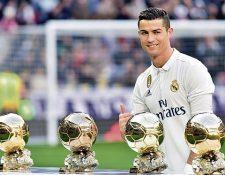 Cristiano Ronaldo es uno de los grandes favoritos para ganar el Balón de Oro, el que sería el quinto de su carrera y con el que igualaría a Leo Messi. (Foto Prensa Libre: AFP)