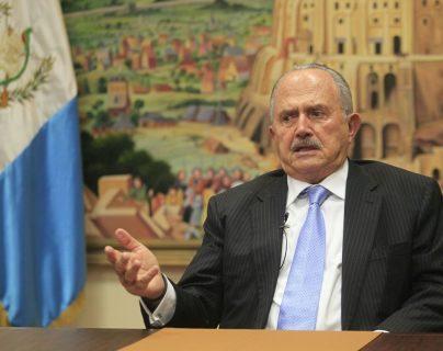 Suger reconoció que ha tenido varias reuniones con Torres y que está dispuesto a asesorarla, (Foto Prensa Libre: E. Bercian)