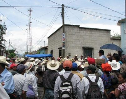 Cientos de ExPAC  recibieron el resarcimiento del Gobierno. (Foto Prensa Libre: Hemeroteca PL)