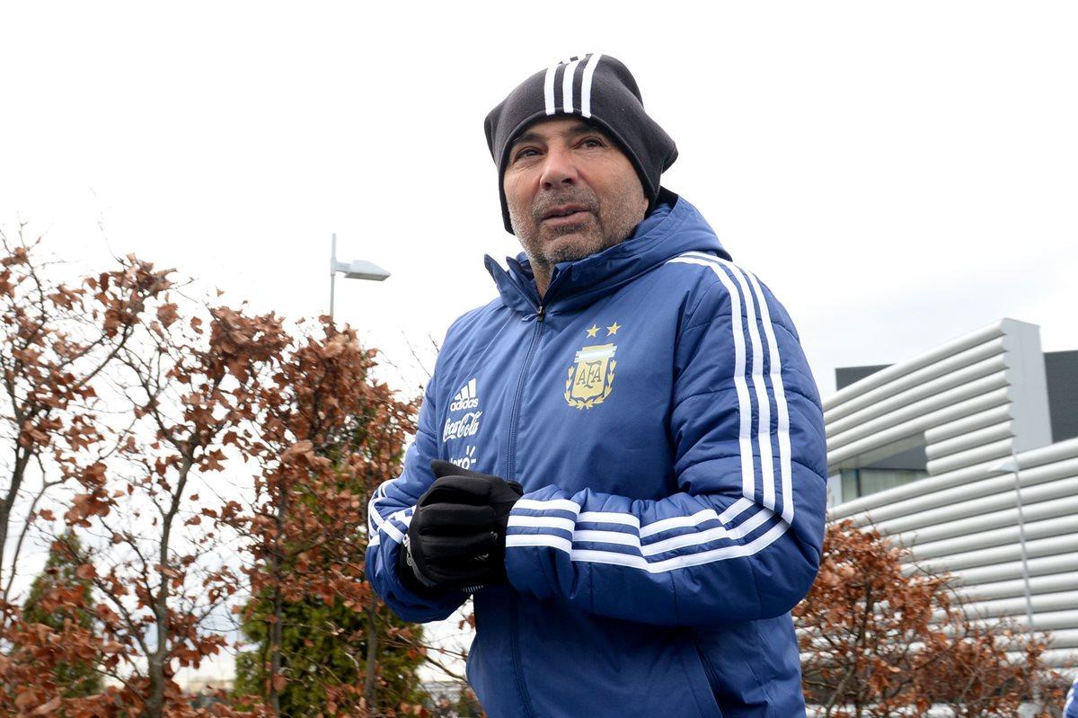 El técnico de la Selección de Argentina, Jorge Sampaoli participa en una anunció de las Abuelas de la Plaza de Mayo. (Foto Prensa Libre: AFP)
