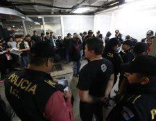La banda de integrantes de la PNC fue desarticulada en agosto del 2018. (Foto Prensa Libre: Hemeroteca)