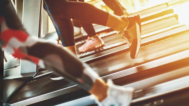 La principal excusa que dice la gente de por qué no hacen ejercicio es la falta de tiempo. (GETTY IMAGES)