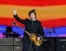 Paul McCartney y su caminata por Abbey Road, 49 años después (Foto Prensa Libre: AFP).