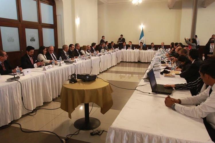 Las audiencias públicas para discutir el presupuesto general de la nación del próximo año se realizarán durante todo octubre. (Foto Prensa Libre: Hemeroteca PL)