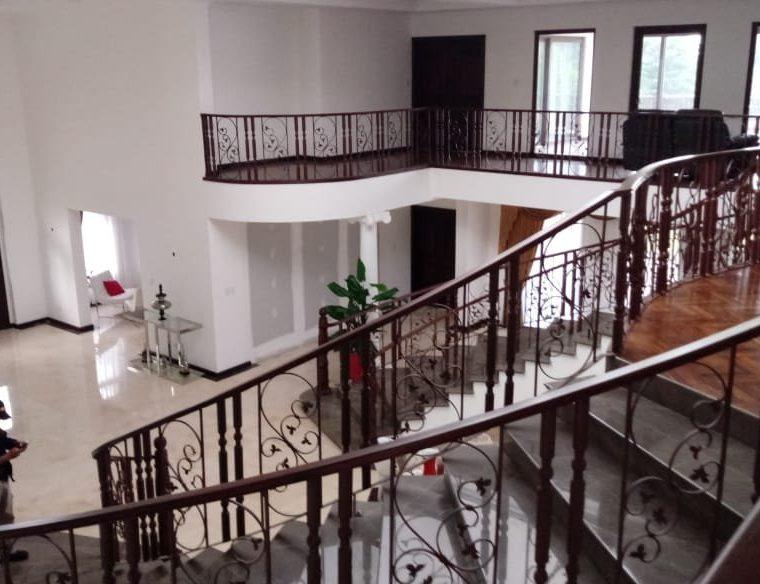 La residencia tiene piso de madera y acabados finos. (Foto Prensa Libre: MP)