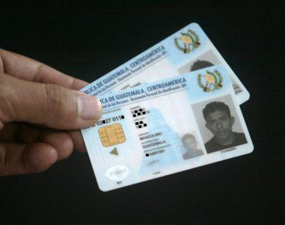 El Renap amplió el contrato con Easy Marketing para emitir DPI, debido a que hay escasez de tarjetas. (Foto Prensa Libre: Hemeroteca PL)