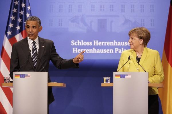 El presidente de EE. UU., Barack Obama y la Canciller alemana Angela Merkel, efectuaron una reunión bilateral en el país europeo. (Foto, Prensa Libre: AP).