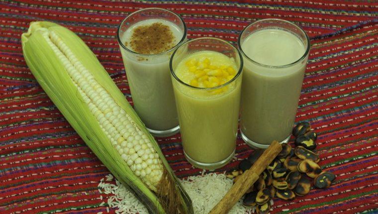 El atol de arroz en leche, de elote y de haba son parte de nuestra tradición culinaria. (Foto Prensa Libre: Ana Lucía Ola)