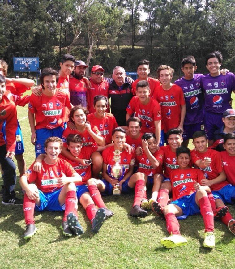 Los rojos de la categoría sub 15 ganaron el título. (Foto tomada de la Liga Nacional)