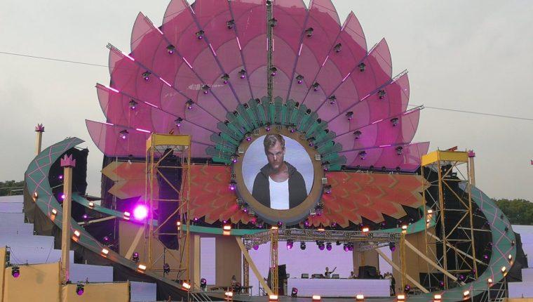 Como muchos esperaban, en el Empire Music Festival (EMF) se le rindió homenaje al DJ sueco Avicii, fallecido en abril pasado. (Foto Prensa Libre: Keneth Cruz).