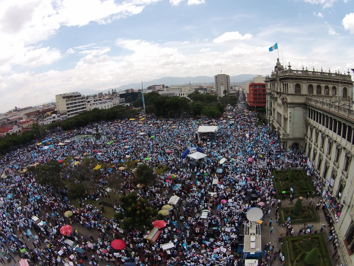 Guatemaltecos han demostrado su compromiso por construir un mejor país. (Foto Prensa Libre: Hemeroteca PL)