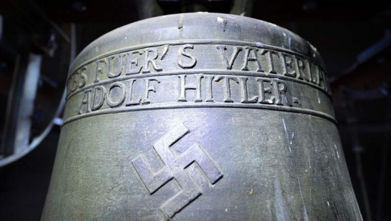 A algunos residentes les preocupa de que la campana atraiga a grupos neonazis al pueblo. AFP
