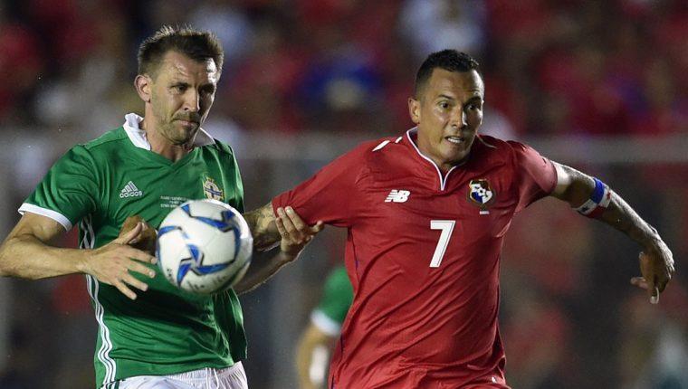 Blas Pérez encabeza el listado de jugadores que estarán Rusia. (Foto Prensa Libre: AFP)