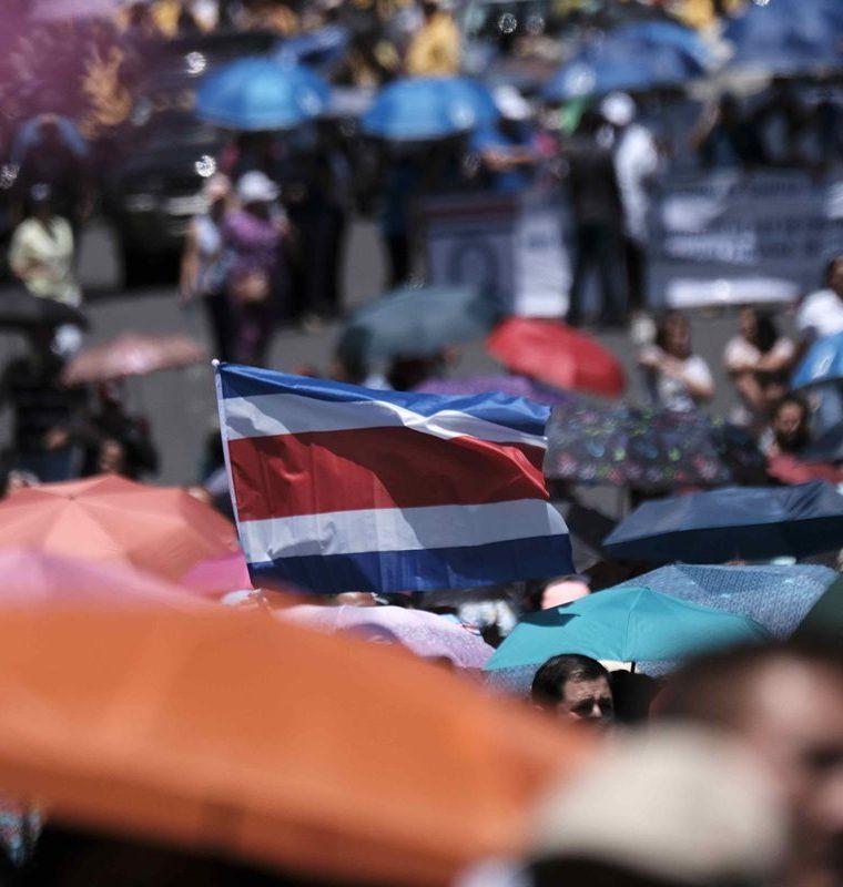 Se cumplió el octavo día de huelga sindical en Costa Rica en rechazo a un proyecto de reforma tributaria. (Foto Prensa Libre: EFE)