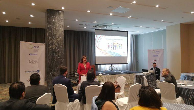 Las nuevas tendencias del mercado laboral no solo son por la modernización tecnológica sino dependen también de otras habilidades explicó Mónica Flores Barragán, Presidenta de Manpower para Latinoamérica. (Foto Prensa Libre).