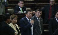 El diputado Julio López Villatoro presenta su renuncia al pleno del Congreso también por el caso de plazas fantasmas.