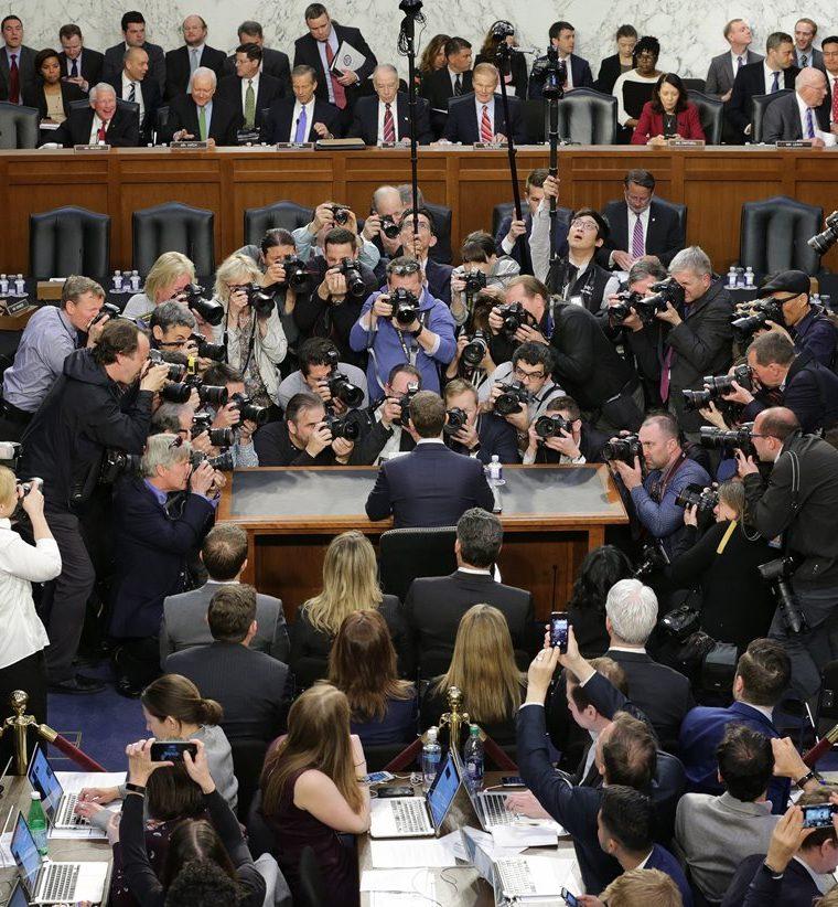 Mark Zuckerberg testifica ante una audiencia combinada del Comité Judicial y de Comercio del Senado. (AFP).