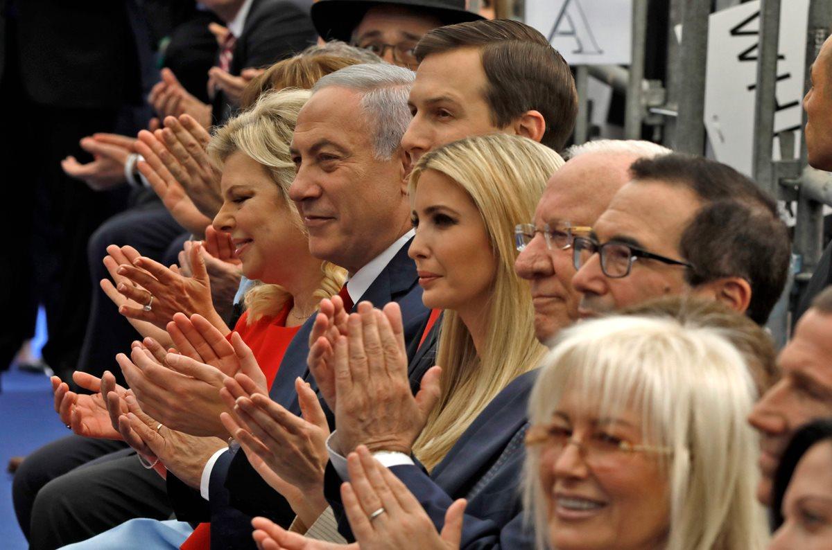 Funcionarios de Gobierno de Israel y EE. UU., durante ceremonia de inauguración de la embajada americana. (Foto Prensa Libre: AFP)