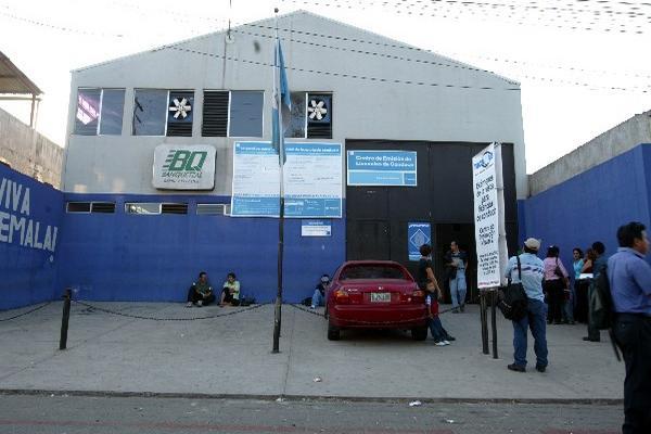 Maycom queda por el momento fuera de la  concurso para extender licencias de conducir, por 7 años. (Prensa Libre: Hemeroteca PL)