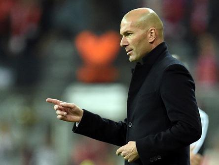 Zinedine Zidane, técnico del Real Madrid ganó el duelo en Múnich.