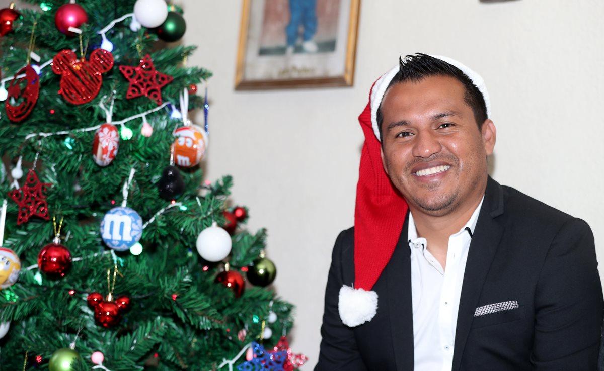 Amarini Villatoro está listo para celebrar las fiestas de fin de año en familia. (Foto Prensa Libre: Francisco Sánchez)