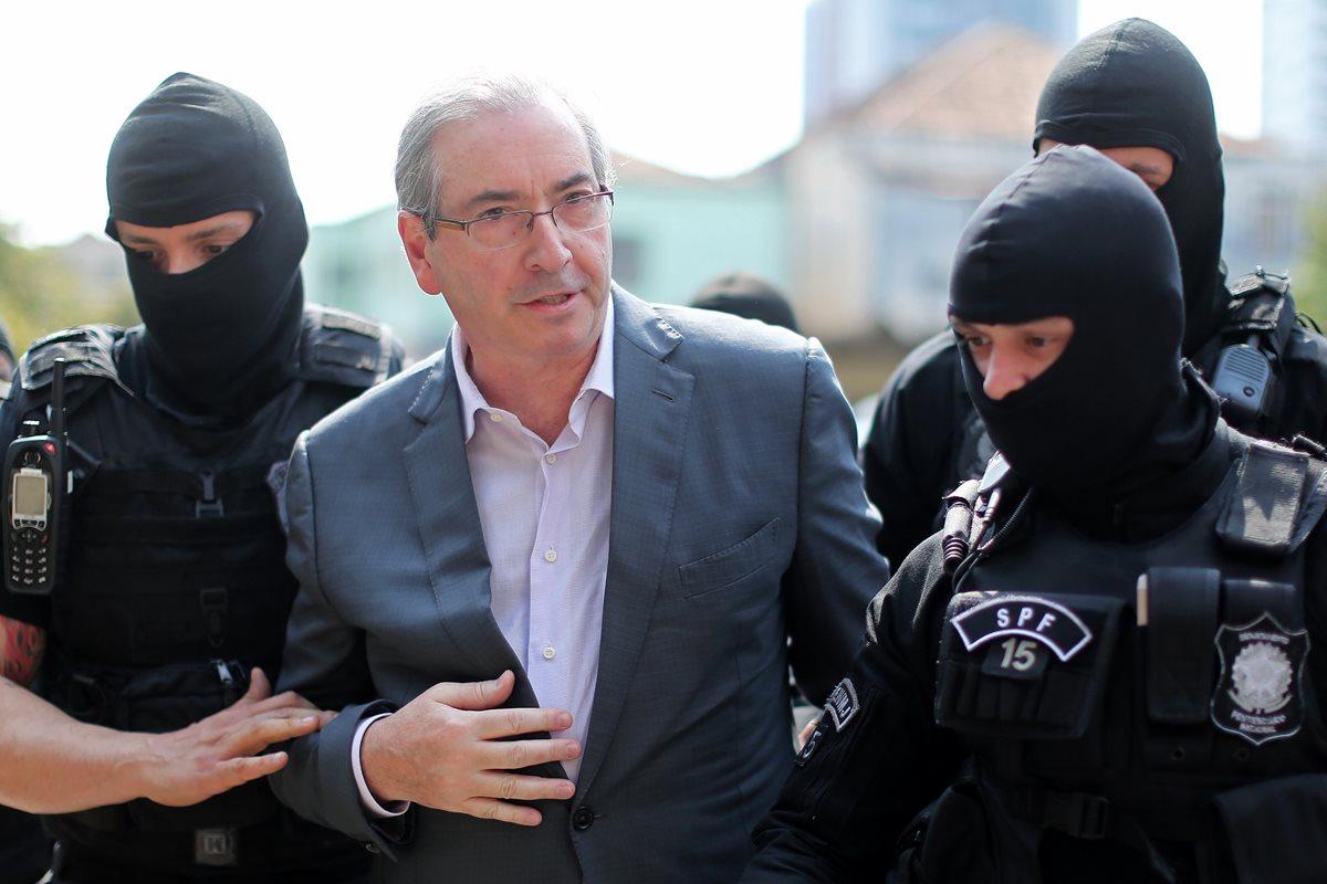 Cunha llega al Instituto de Medicina Forense en Curitiba, Brasil. (Foto Prensa Libre: AFP)